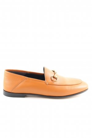 Gucci Mocasines naranja claro look casual