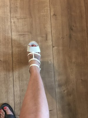 Gucci Sandalo alto con plateau bianco sporco