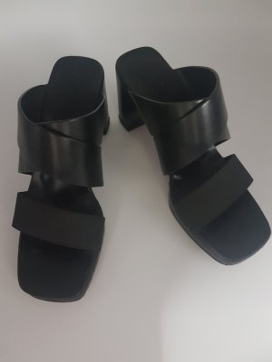 GUCCI Pantoletten schwarz Gr.36,5