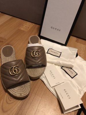 Gucci Flip-Flop Sandals light brown-brown
