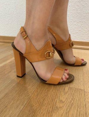 Gucci Sandalen aus Lackleder