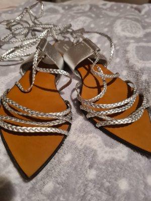 Gucci Sandalen met bandjes en hoge hakken zilver