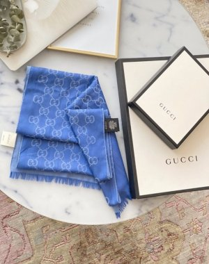 Gucci Écharpe à franges bleu-bleu azur
