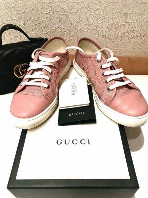 Gucci Zapatillas con tacón rosa