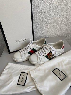 Gucci Basket à lacet blanc