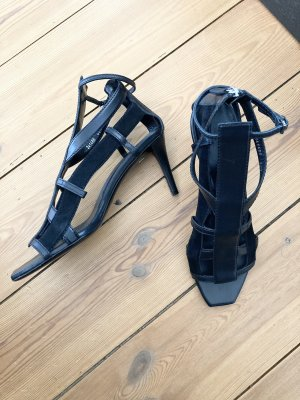 Gucci Strapped Sandals black
