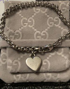 Gucci Silberarmband mit Herzanhänger