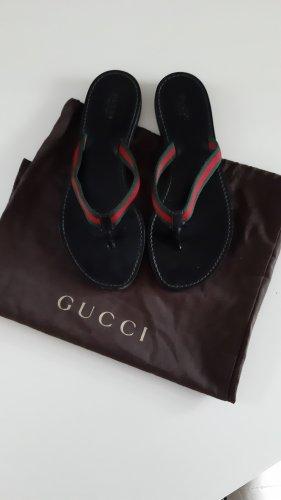 Gucci Sandalias de tacón con talón descubierto negro