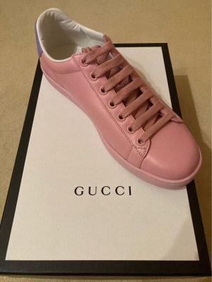 Gucci Sneakers met veters paars-roze