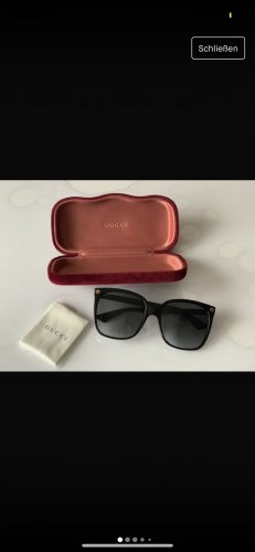 Gucci Angular Shaped Sunglasses black