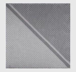 Gucci Bufanda de seda gris-gris claro