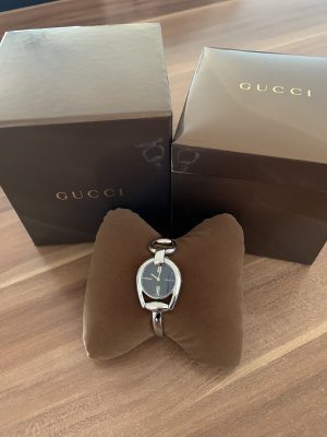 Gucci Watch With Metal Strap silver-colored