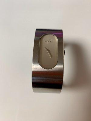 Gucci Uhr Modell 2400L