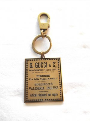 GUCCI VINTAGE LABELS TONE ANTIQUE KEYCHAIN - RING CHARM GOLD