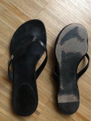 Gucci Sandalias con talón descubierto negro-color plata