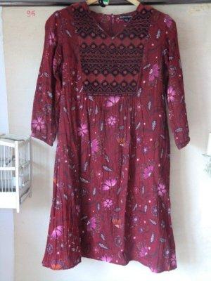 Gudrun Sjöden Kleid Blumen floral rot Stickerei Midi Lagenlook bestickt dunkelrot 100% Baumwolle