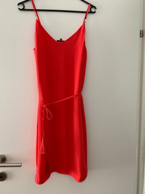 Gültiger Kleid