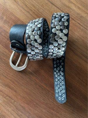 Cinturón de pinchos negro Cuero