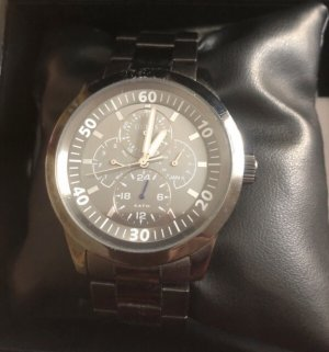 Guess Watch With Metal Strap grey