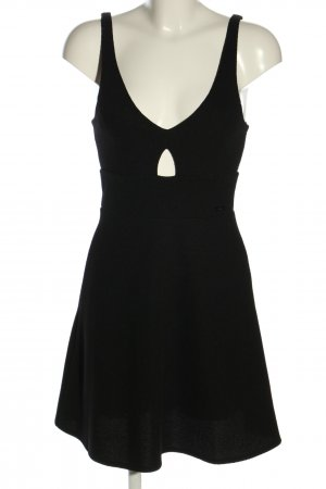 Guess Vestido cut out negro look casual