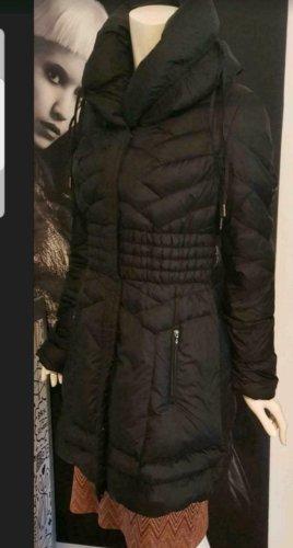 Guess Płaszcz puchowy czarny