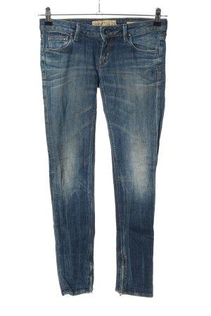 Guess Pantalón de cinco bolsillos azul look casual