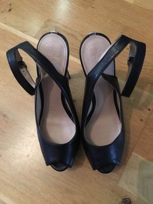 Guess Strapped pumps black