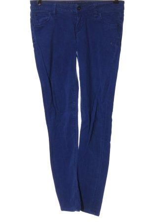 Guess pantalón de cintura baja azul look casual