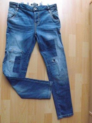 Guess Jeans, Gr. 27, used Look mit Rissen und Flicken, skinny