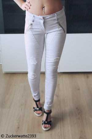Guess Jeans W24 L30 Flieder ripped