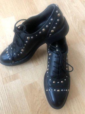 Guess Leder Schuhe mit Nieten