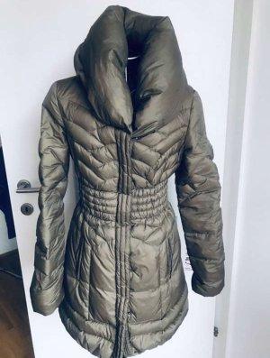 Guess Płaszcz puchowy khaki