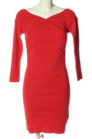 Guess Mini vestido rojo look casual