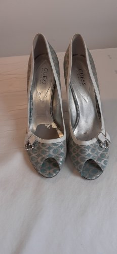 Guess by Marciano Pointed Toe Pumps mint