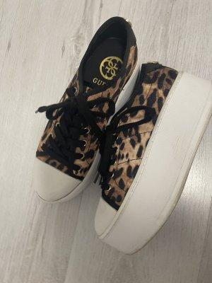 Guess Zapatillas con tacón negro-marrón