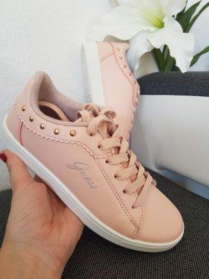 Guess Sneakers mit goldenen Nieten in Gr. 36