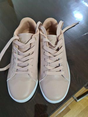 Guess Sneakers NEU