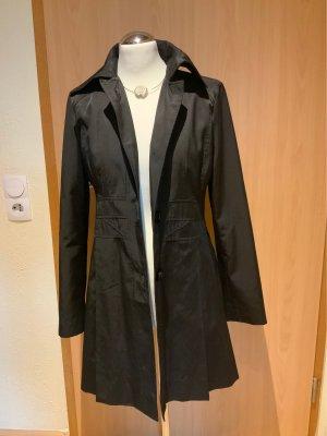 Guess Krótki płaszcz czarny