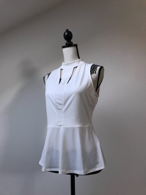 Guess Cut out top wit Polyester