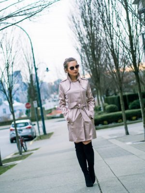 Guess Trench color oro rosa