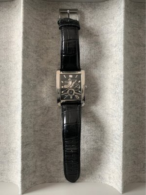 Guess Watch With Leather Strap black-silver-colored