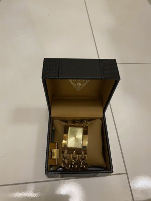 Guess Uhr neu Gold mit Schutzfolie