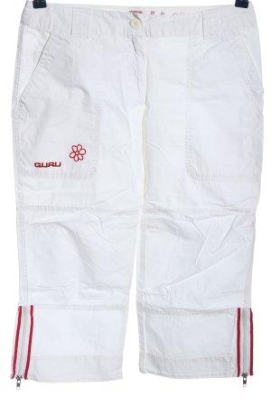 Guru Shorts white-red casual look
