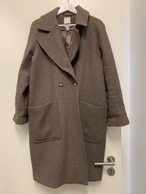 H&M Abrigo ancho marrón grisáceo