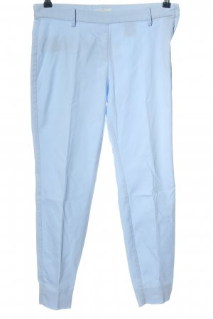H&M Pantalón tobillero azul look casual