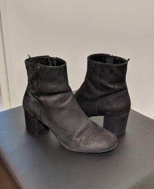 H&M Ankleboots Stiefeletten schwarz Velours 6cm Größe 39
