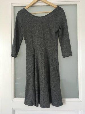 H&M Basic Kleid grau