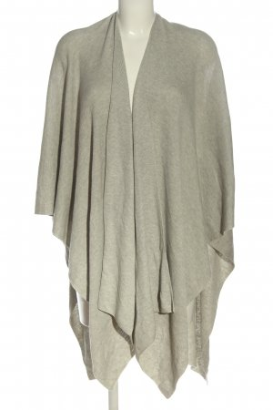 H&M Basic Poncho gris claro look casual