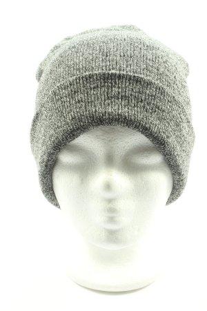 H&M Gorro gris claro look casual