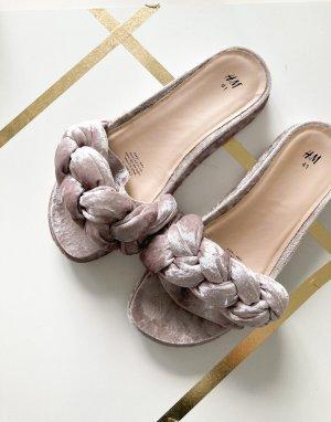 H&M Blogger Samt Trend Sandalen Beige Grau 40 41 Sommer Schuhe Slides Schlappen Instagram Fashion